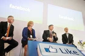Fortfarande inget avtal på Facebook i Sverige