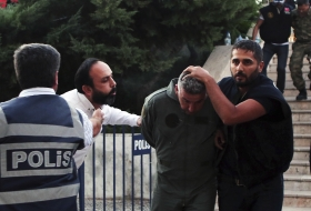 """Turkiet åsidosätter demokratin"""