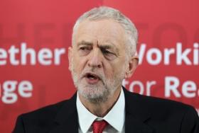 Jeremy Corbyn vill införa lönetak