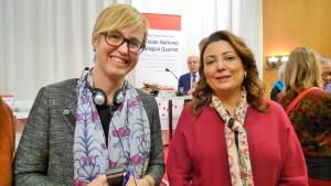 Arena Idés Lisa Pelling tillsammans med arbetsgivarorgansationens ordförande Ouided Bouchamaoui. Foto: Ewa Persson.