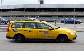 Taxibranschen först ut i förslag om kollektivavtalskrav