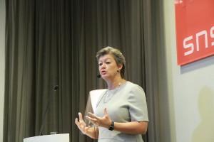 Arbetsmarknadsminister Ylva JOhansson deltog vid presentationen av SNS konjunkturråds rapport 2017. Foto: Simon Markusson