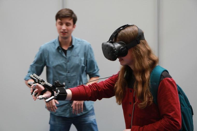 Den virtuella revolutionen på jobbet