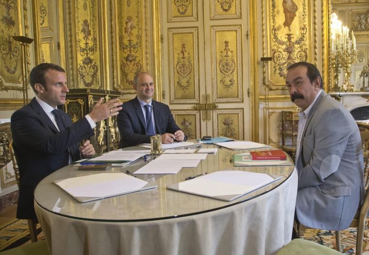 Facket först ut att testa ny diskrimineringslag i Frankrike