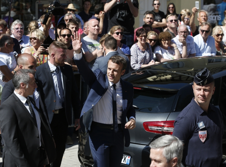 Macrons regering rivstartar reformeringen