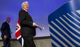 Storbritannien vill stoppa all fri rörlighet direkt efter Brexit