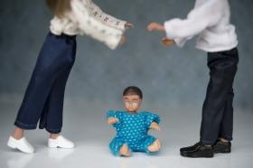 Separerade pappor tar ut mindre föräldrapenning