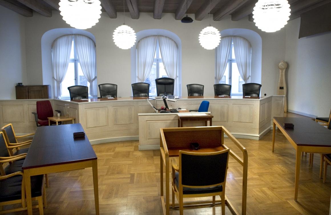 AD: Arbetsskyldighet gäller när myndighet flyttar från Stockholm till Karlstad