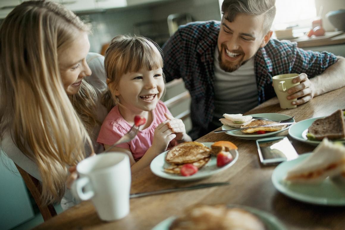 Nordiska män är mer jämställda och lyckliga