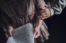 Regeringen utreder skarpare sanktioner mot trakasserier