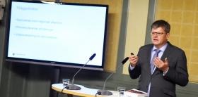 Komvux föreslås öppnas för fler som har utbildning