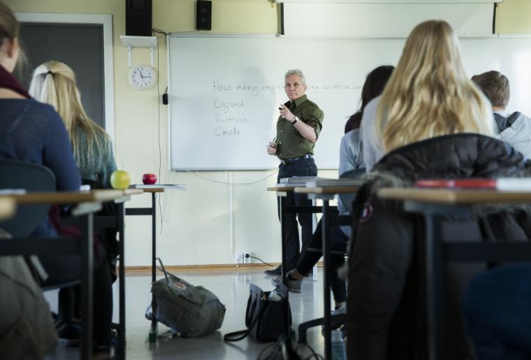 Ödesfråga om obehöriga på Lärarförbundets kongress