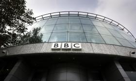 """""""BBC skulle inte sätta press på det sätt som SVT gör"""""""