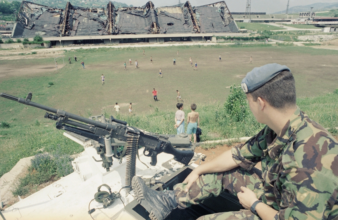 Vi kan välja att inte göra EU till ett stort Bosnien