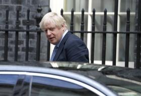 Johnson uppges hota med social dumping