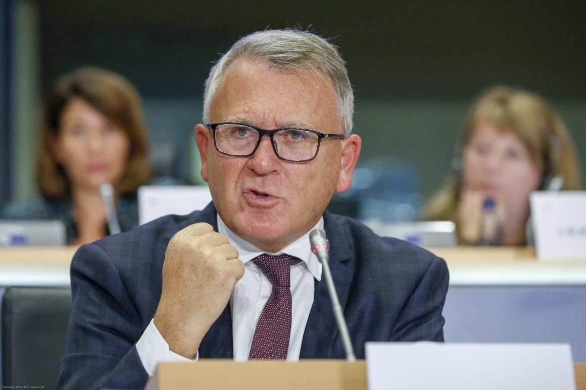 """""""Varje EU-medborgare måste ha ett anständigt liv"""""""