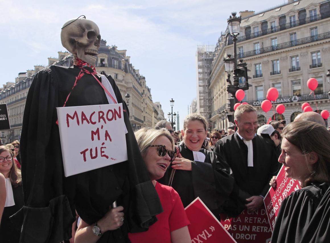 Därför sveper protester mot pensionsreformer över hela EU