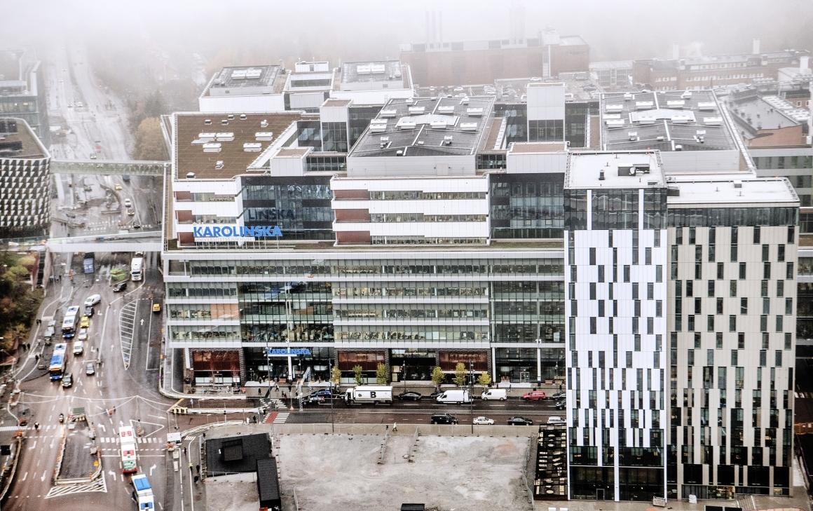 Nya Karolinska kallar in extra managementkonsulter för att bekämpa virusutbrottet