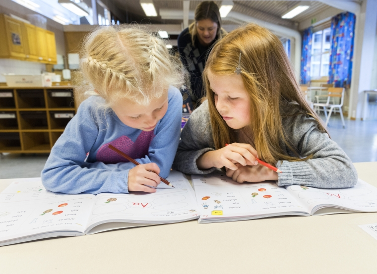 Lärare rasar mot FHM:s nya covid-19-rapport