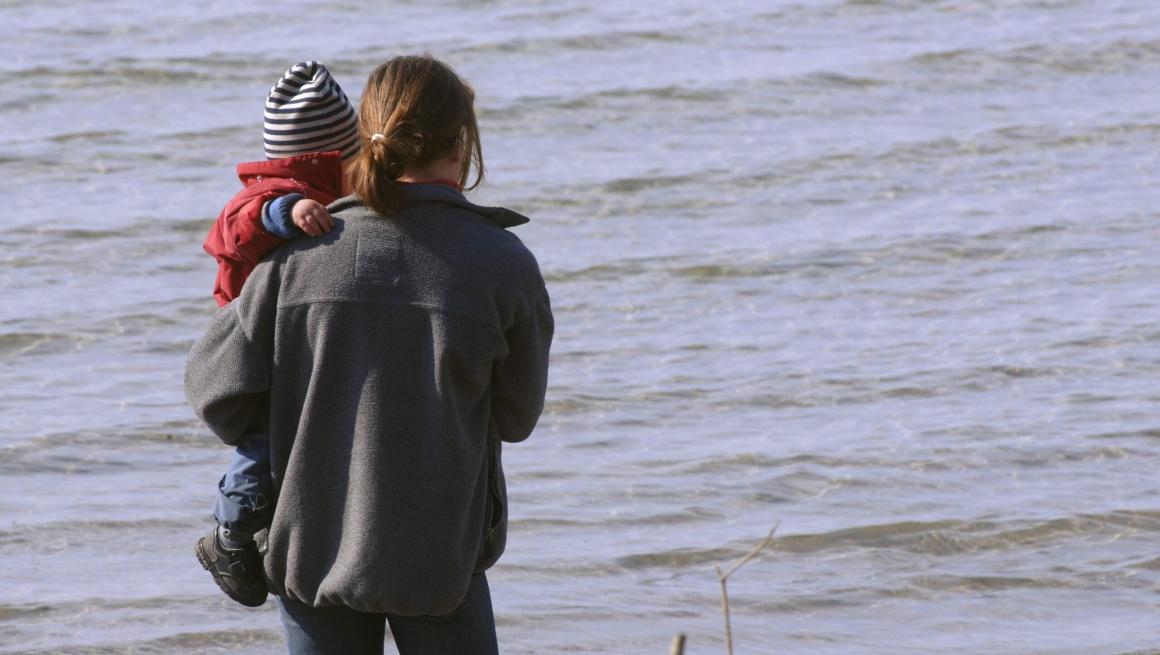 Fler föräldramånader gav unga kvinnor lägre ingångslön