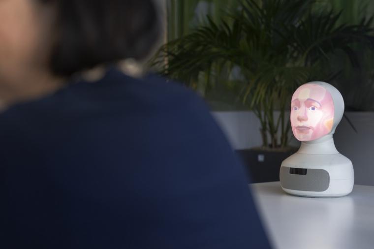 Vem styr när kommuner inför robotar?