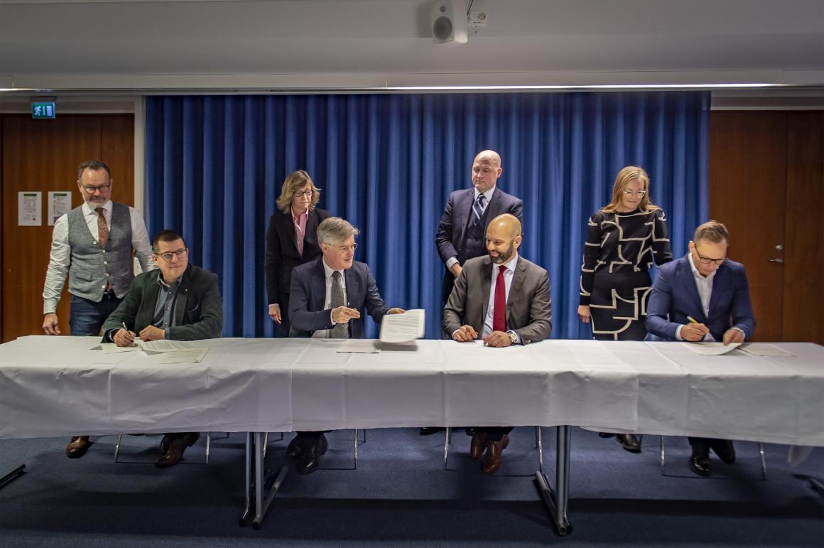 LO-förbund ansluter till PTK-uppgörelsen