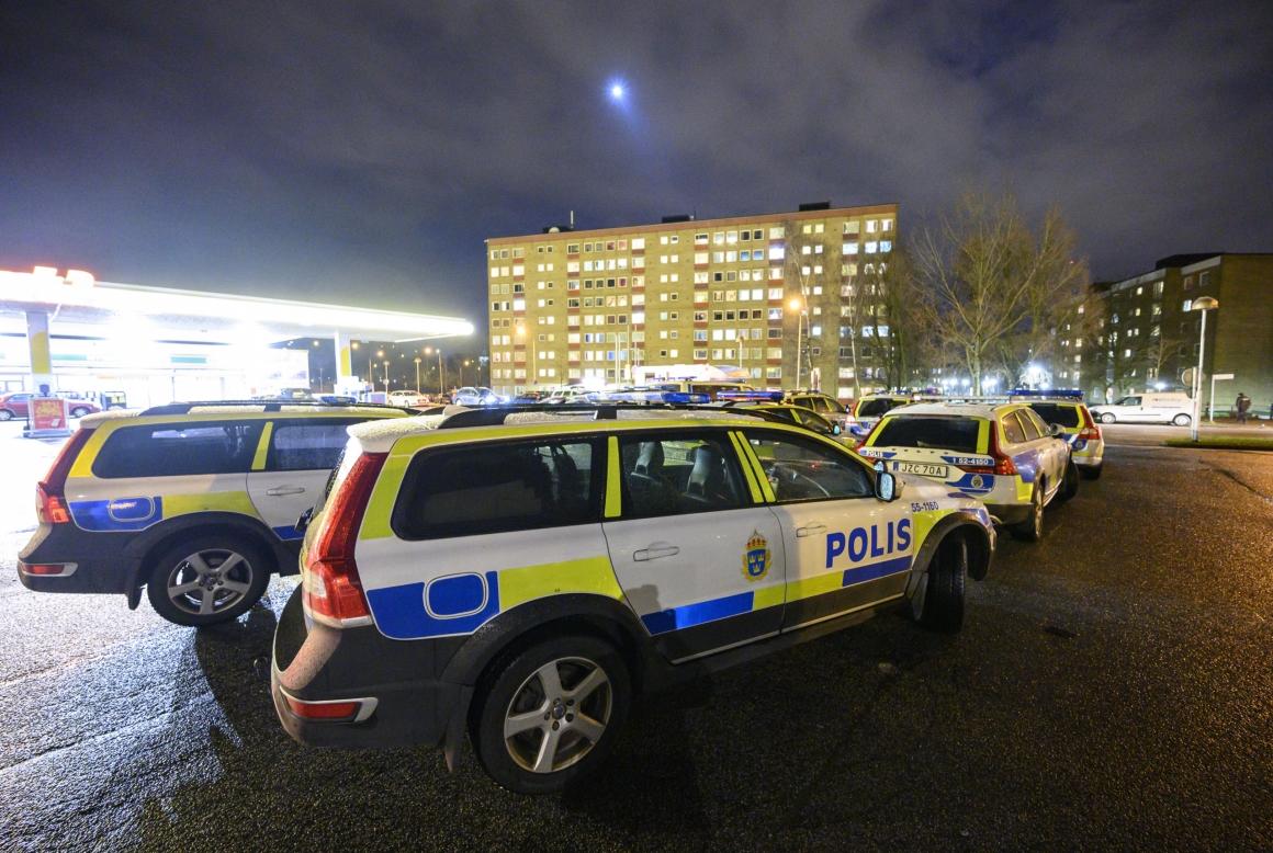 Akavia: Släpp siffermålen – civilanställda behövs också inom Polisen