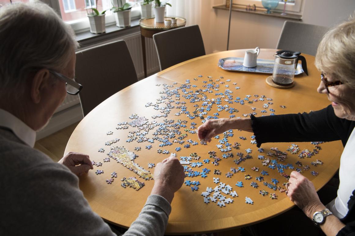 Ny utredning: Det ska bli enklare för den som närmar sig pension att få sjukersättning