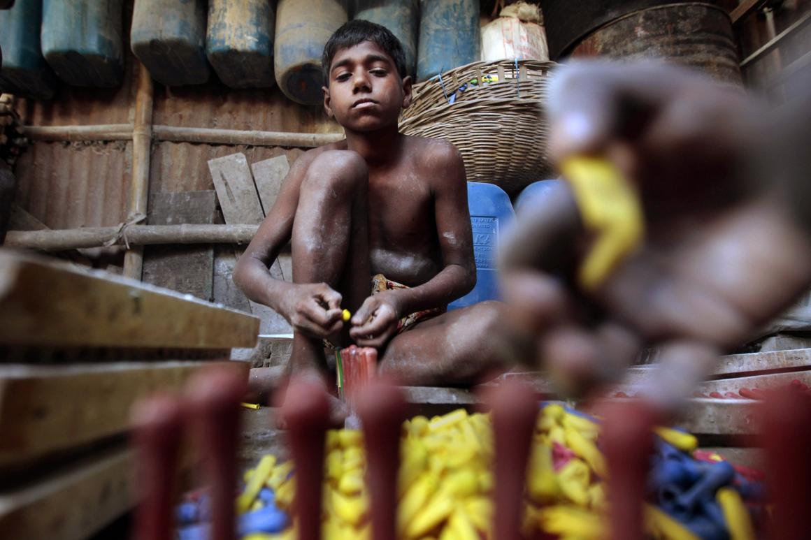 Vart tionde barn i världen tvingas arbeta