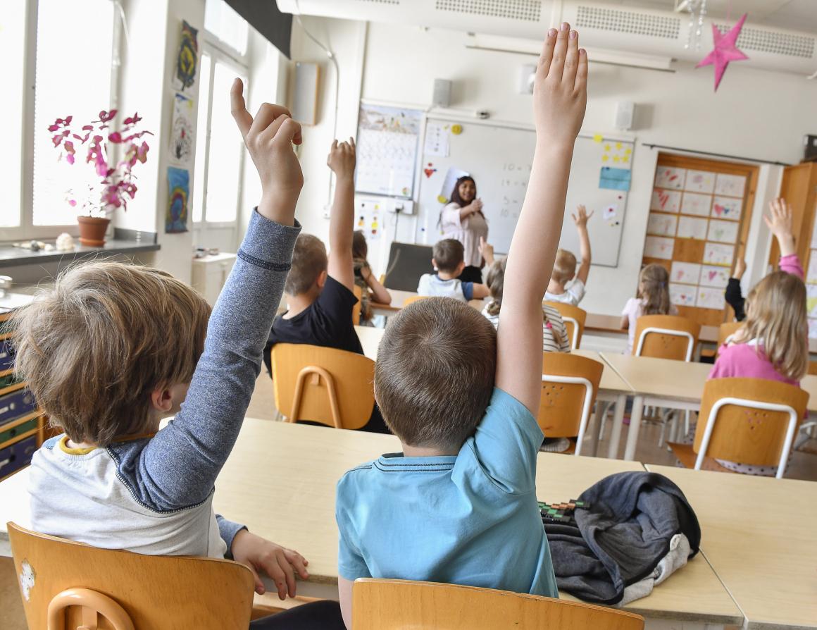 Värderingar i hemmet har stor effekt på pojkars och flickors betyg