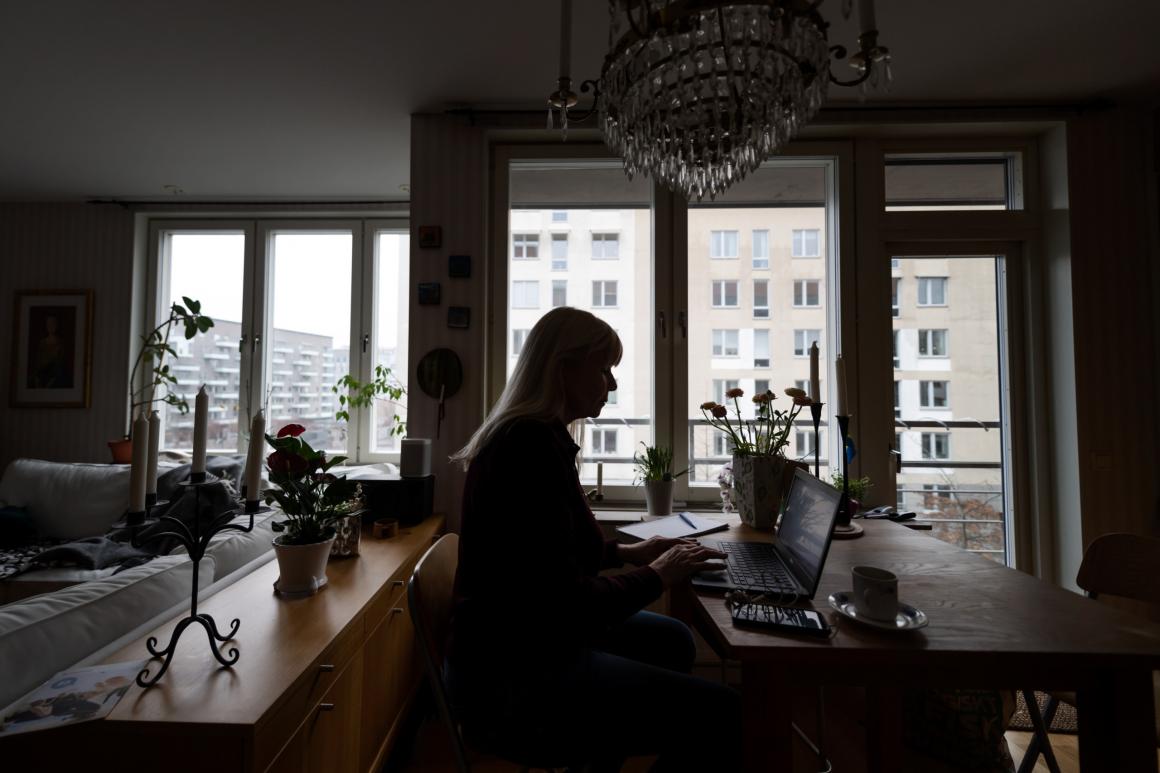 Sexuella trakasserier flyttar in i hemmet när vi distansjobbar
